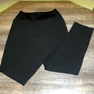 NWT- Puma woman's PWRSHAPE Blk pull on pant med